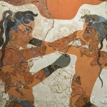 In questo affresco del 1650 a.C. due giovani combattono indossando dei guantoni, come nel moderno pugilato.