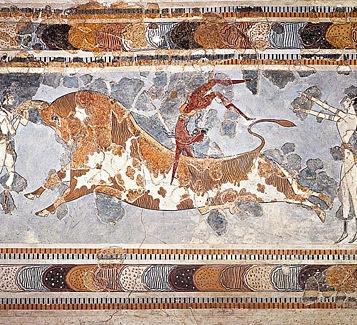 Il gioco del salto con il toro praticato dagli antichi Cretesi viene chiamato taurocatapsia.